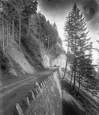 columbia river highway embankment 1915 oregon