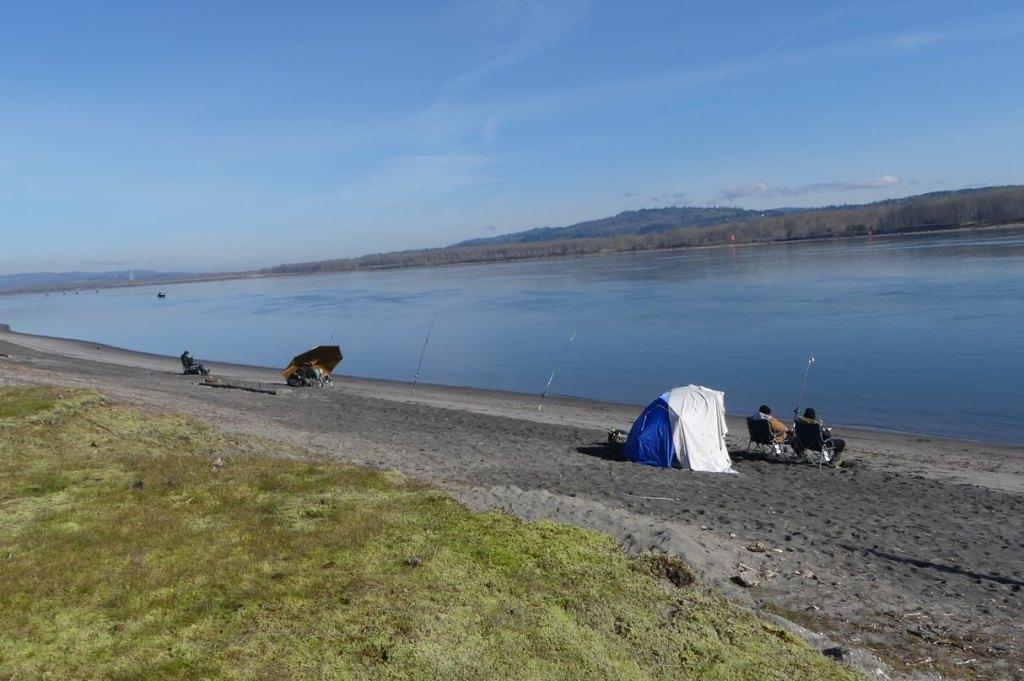 salmon fishermen Prescott Beach County Park Columbia River Rainier columbia county